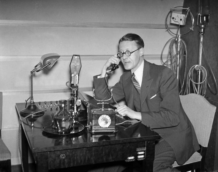 Sven Jerring på Radiotjänst 1937