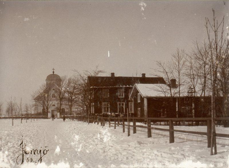 Jämjö kyrka och skolhus 1904