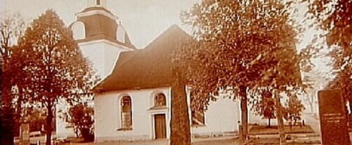 En onykter bonde kräks i Tjällmo kyrka